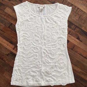 Cream abstract texture sleeveless cotton shirt.